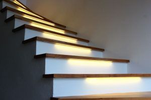 Tiras led en escaleras